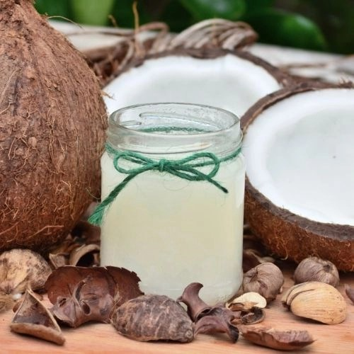 One jar and so many frugal uses. Discover 25 smart uses for coconut oil around your home including body & beauty, cooking, cleaning and more.