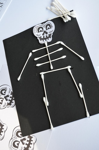 The spookiest day of the year is almost here, but there is still plenty of time to do these 10 easy frightfully frugal Halloween crafts for kids!