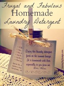 Homemade Laundry Detergent Gift {FREE Gift Tag Printable Included}