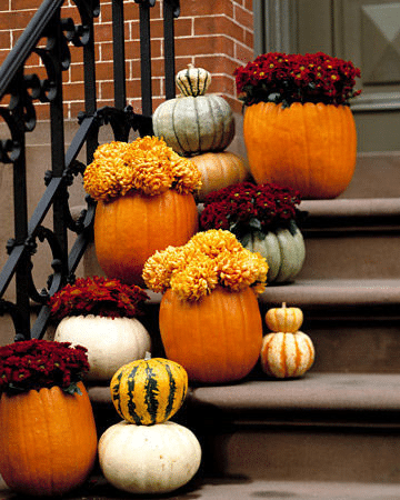 One of my favorite places to decorate is my front porch! Here are 10 Frugal Fall Front Porch Ideas to get your creative juices flowing as the leaves start falling.