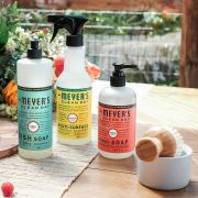 Get a Free Mrs. Meyer's Summer Chef's Kit from Grove Collaborative!
