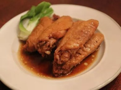 pot-stewed chicken wings