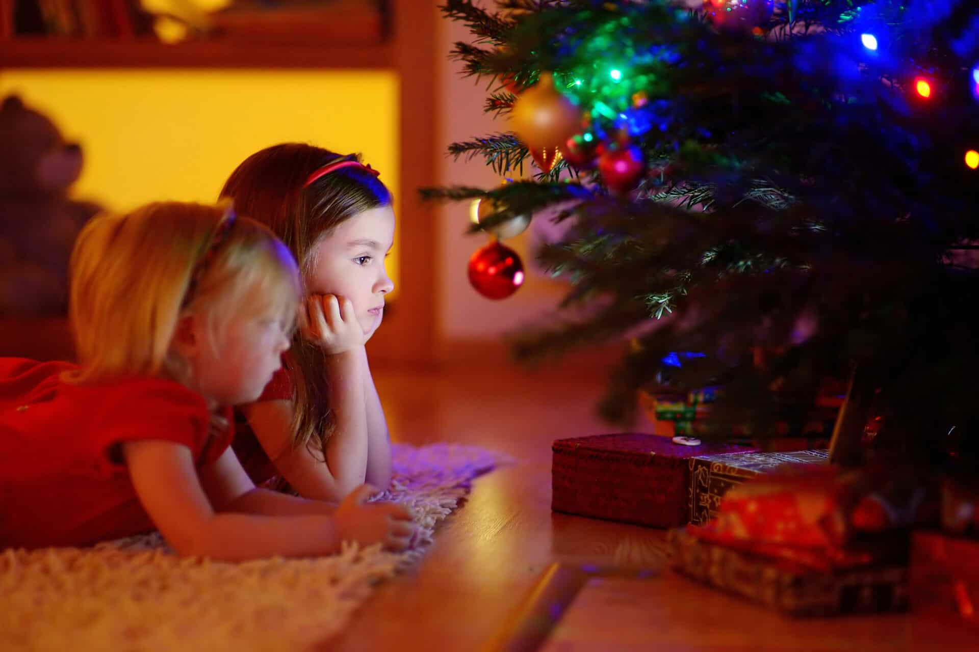 How to Keep Presents from Overwhelming Christmas | Alternatives to Minimalist Christmas Gift Ideas