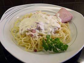 Spaghete cu sos de smantana