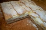 Leaf with Apple filling and vanilla cream