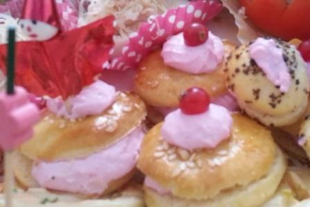 Choux with cream cheese