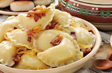Coltunasi cu cartofi si jumari