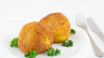 Arancini - Bile de orez prăjit umplute cu carne
