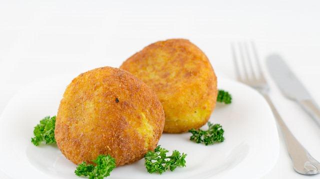 Arancini – Bile de orez prăjit umplute cu carne