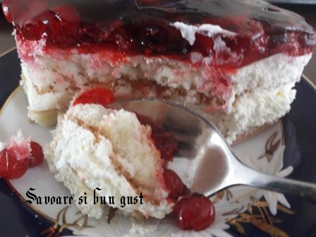 Prajitura cu crema de iaurt si jeleu