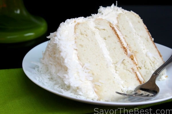 Coconut-Cake-with-Coconut-Buttercream-Frosting-1