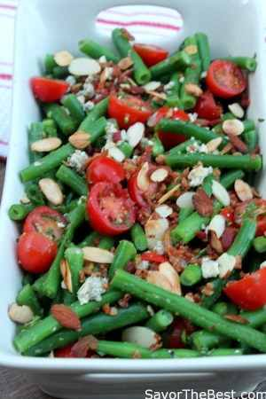 crisp green bean salad with bacon, tomatoes and blue cheese and ...