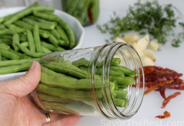 Canning hot dill pickles