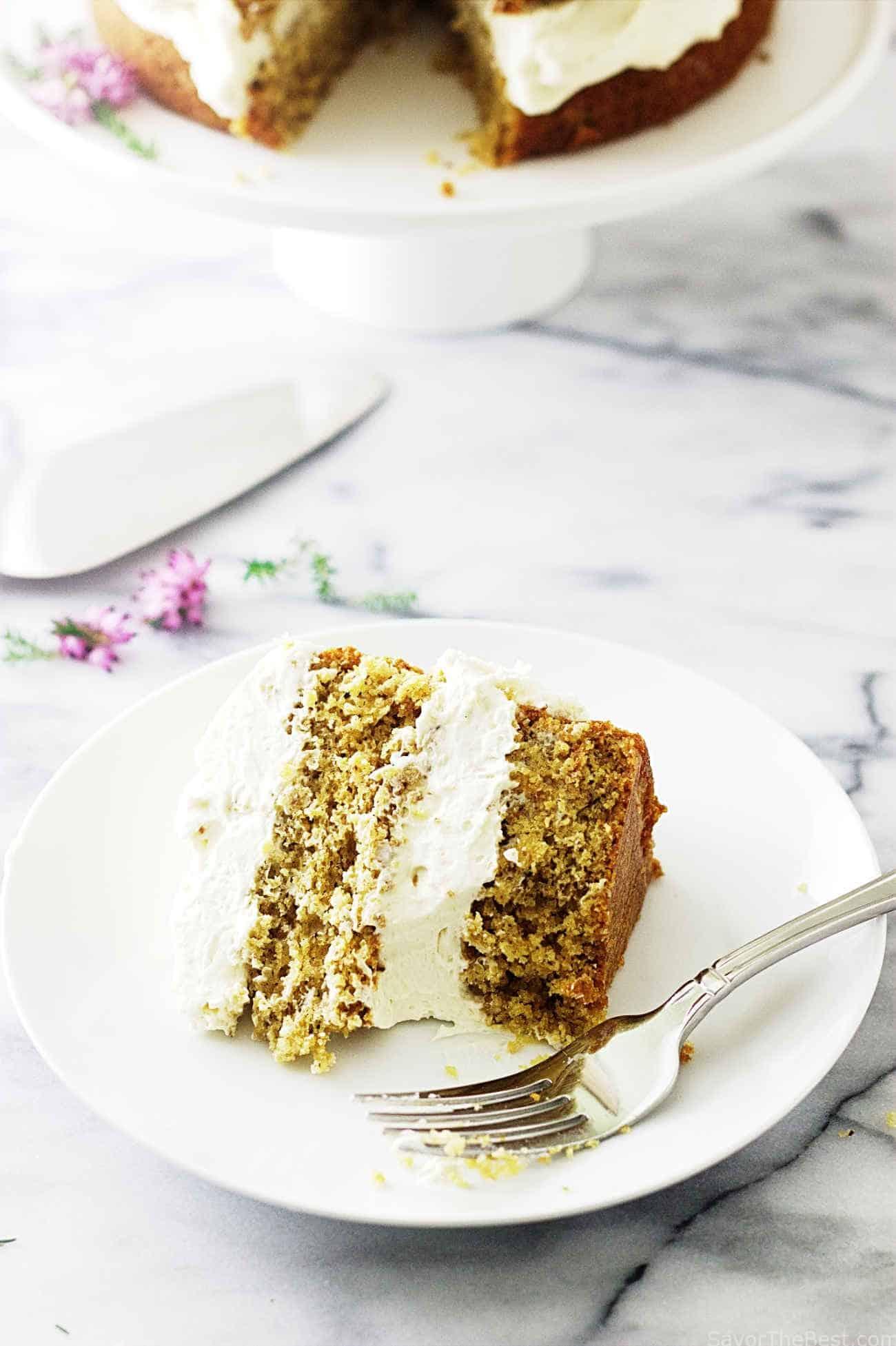 Einkorn honey almond cake