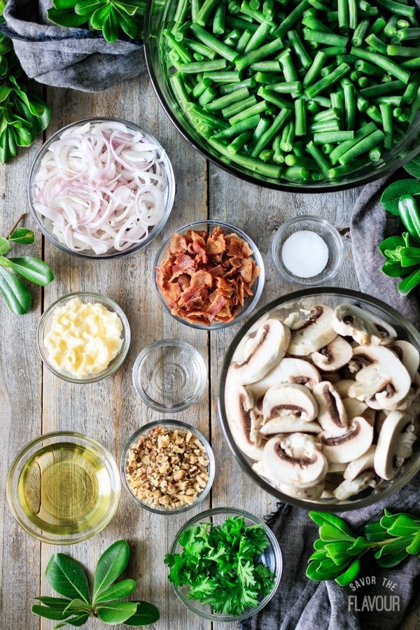 ingredients for green beans with bacon and mushrooms
