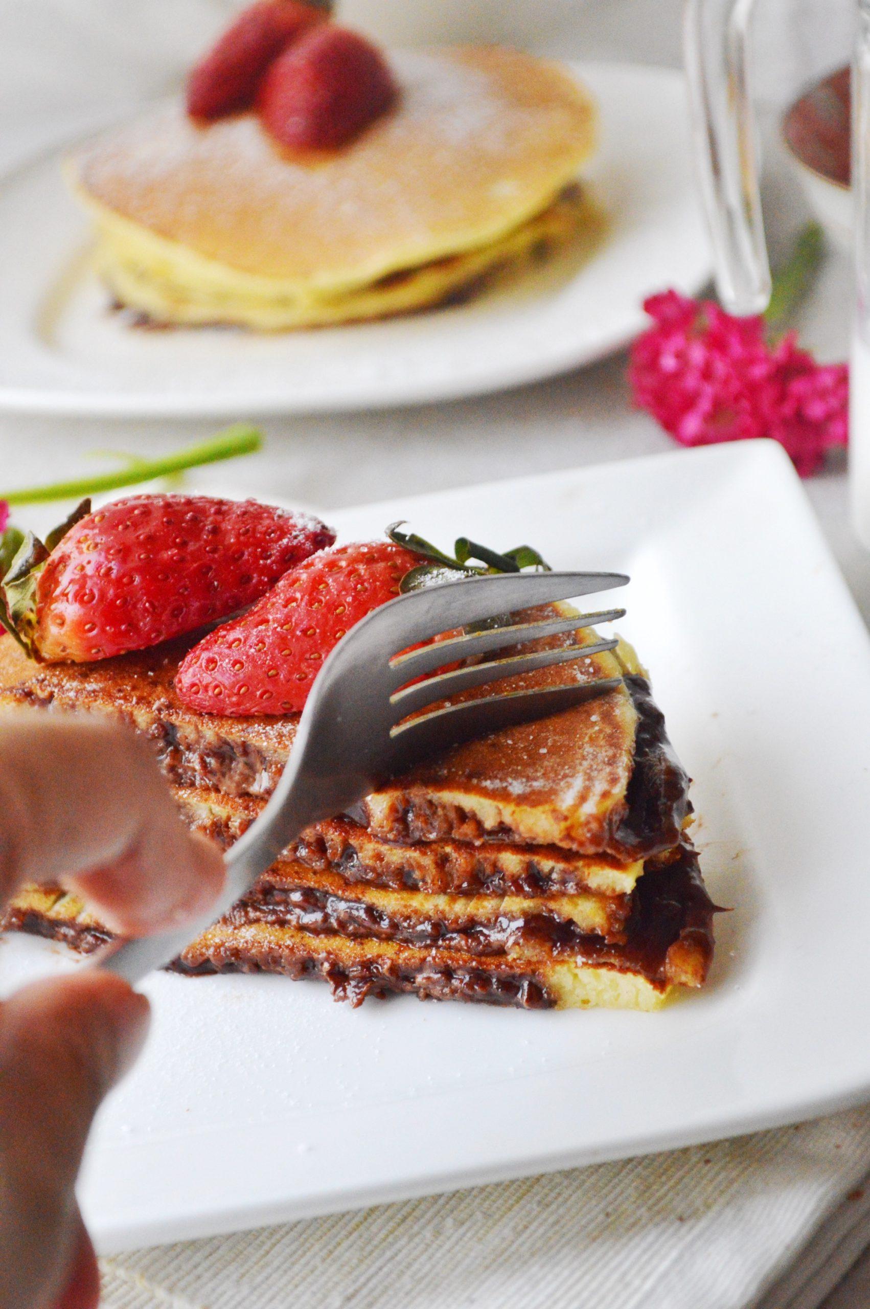 Nutella Stuffed Pancakes - Savory&SweetFood
