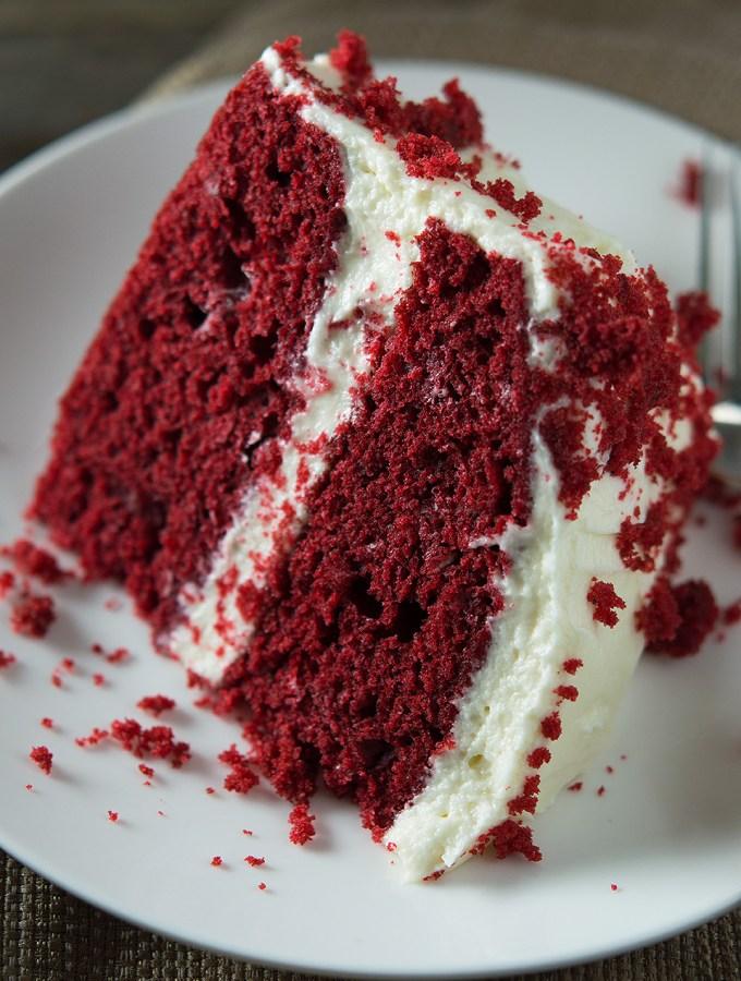 Moist Red Velvet Cake and Whipped Cream Cheese Frosting dsc_0249