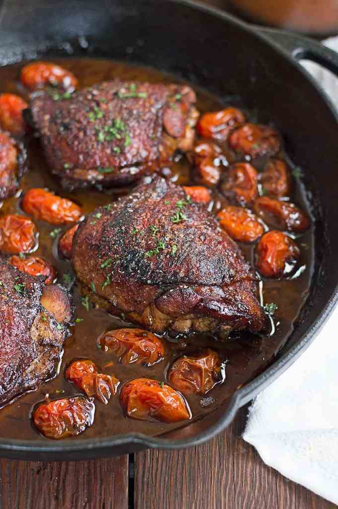 roasted balsamic chicken and tomatoes DSC_0787 An Easy One Pan Roasted Balsamic Chicken and Tomato Dish that helps add a twist and some dazzle to boring chicken... And beginner cooks can make this with no problem.