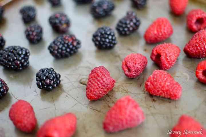 freezing berries_