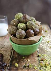 No Bake Pistachio Chocolate Bites