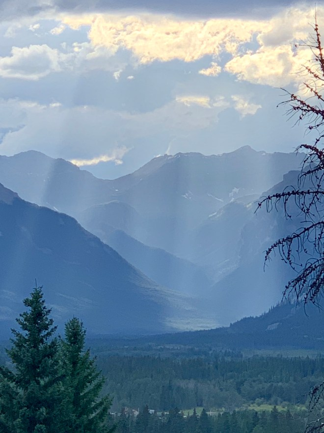 sun rays on mountains