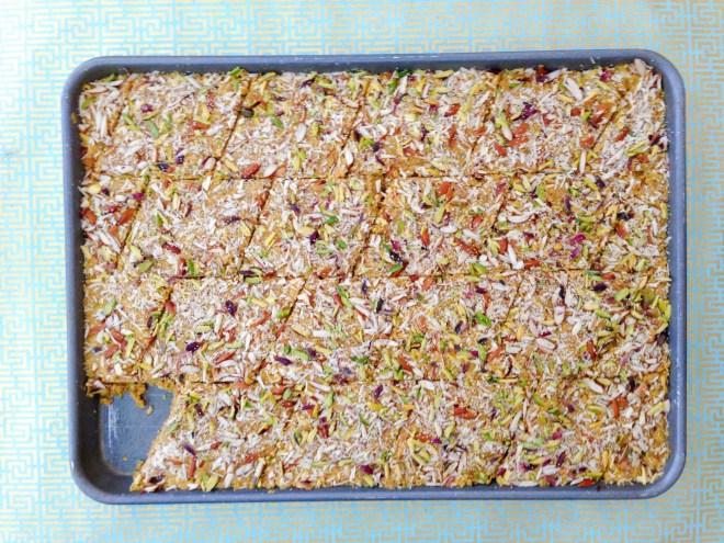 Gund Pak - overhead view of tray full