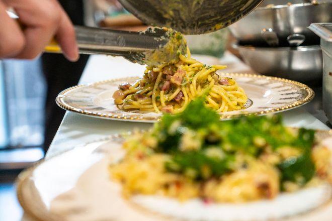 Vendome's pasta - side view
