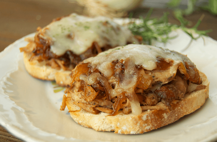pulled-pork-onion-sandwich