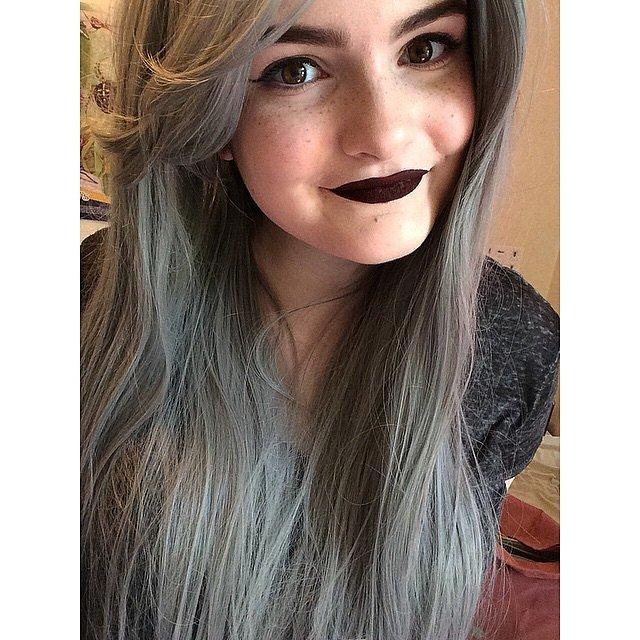 Girls-Wearing-Dark-Lipstick (7)