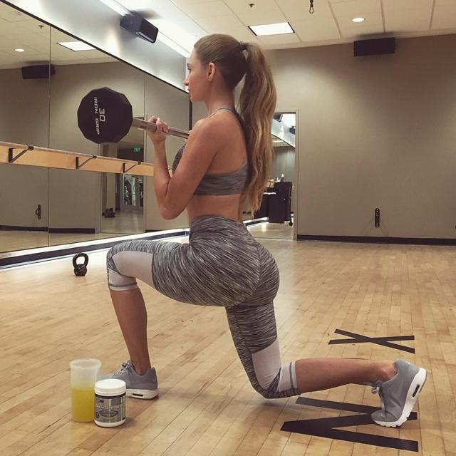 Amanda je veoma posvećena napornim vežbama za zadnjicu (foto: Instagram)