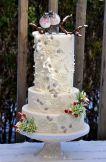 Winter Wedding Cakes We Love14