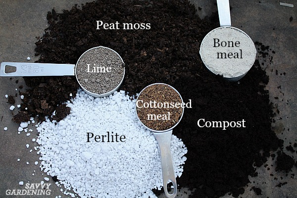 DIY potting soil ingredients, plus 6 great recipes.
