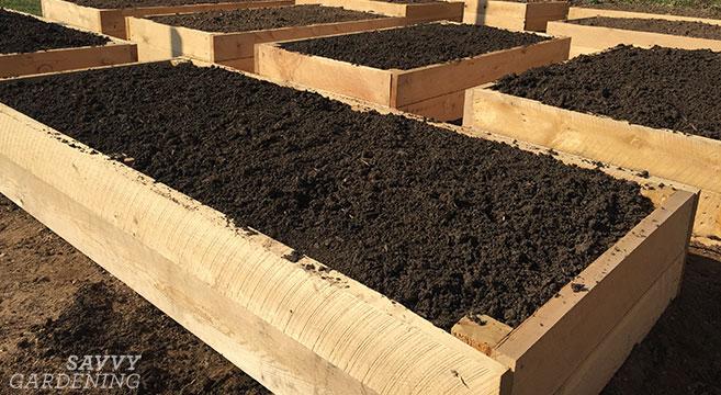 The best soil for a raised garden bed