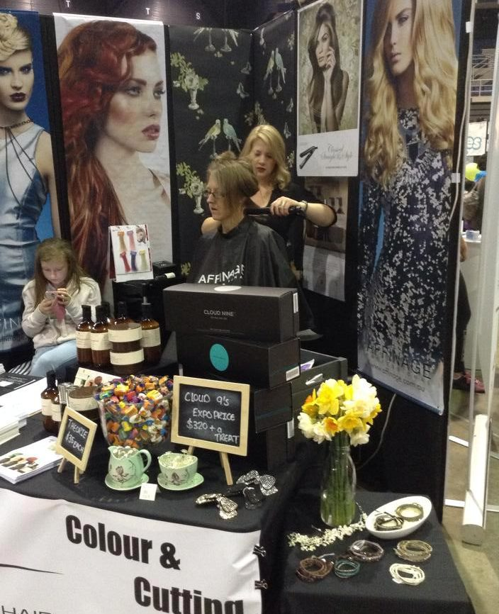 Women's expo hair