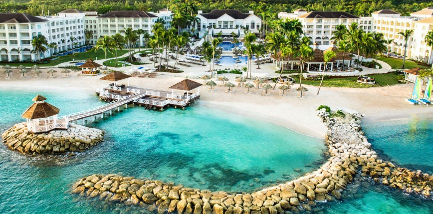 Getting free nights at all-inclusives that usually cost $500+/night (Hyatt Zilara Jamaica) can be a great value!