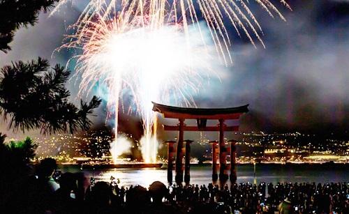 宮島花火大会フェリーの行き方帰り方 混雑対策&車で行く人のおすすめ方法