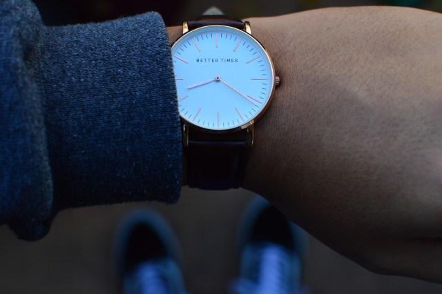 นาฬิกาข้อมือ วัยเก๋า sawadd