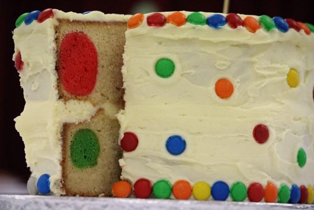 สปันจ์เค้ก สุขสันต์วันเกิด sawadd