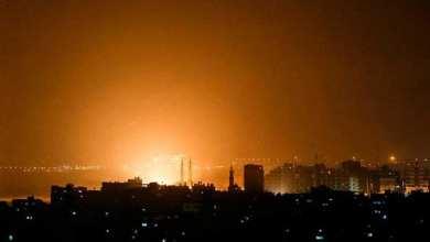 Photo of 90 غارة على غزة وخسائر بالملايين