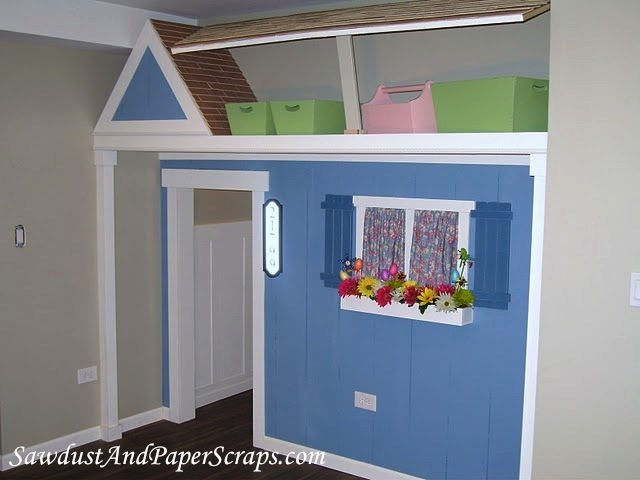 Playhouse-CLoset-with-hinged-Lid