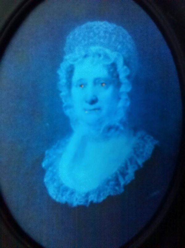 glowing eyed portrait tute
