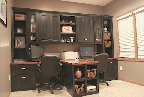 Diy Office With T Shaped Countertop And Built In Cabinets