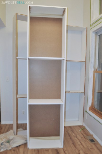 building DIY built in bookshelves