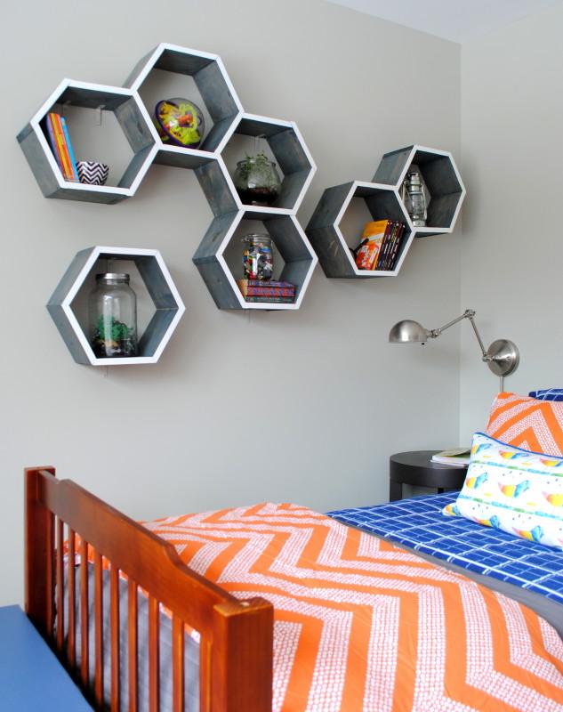 Fantastic DIY honeycomb shelves.