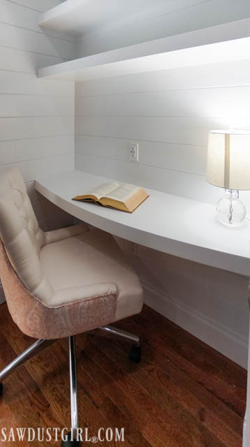 Do It Yourself Home Design: How To Build A Curved Floating Desk