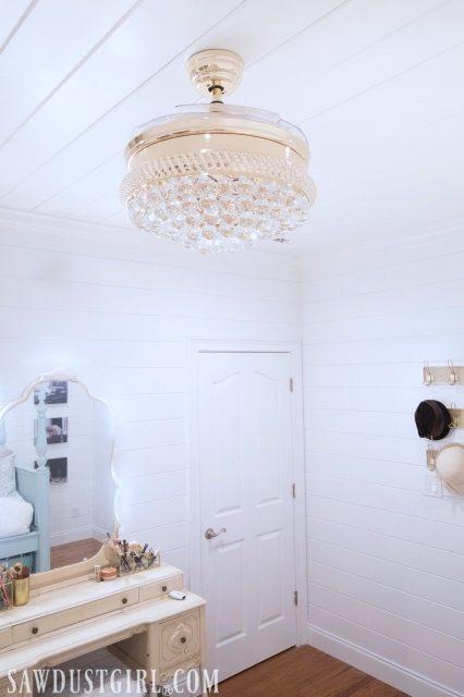 Pretty bedroom decorating ideas