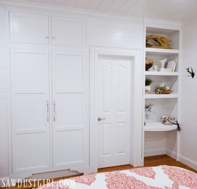 The tiny closet in the guest bedroom is FINISHED!  The Jack and Jill bathroom still needs doors and drawers but the tiny closet is done.