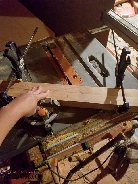 Cutting half lap joints