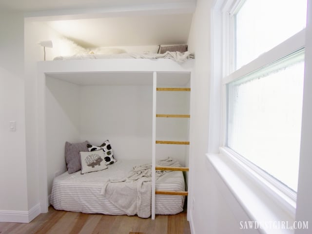 bunk bed ladder