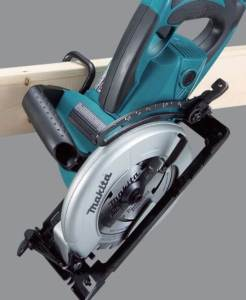Makita 5477NB can be handled and managed easily